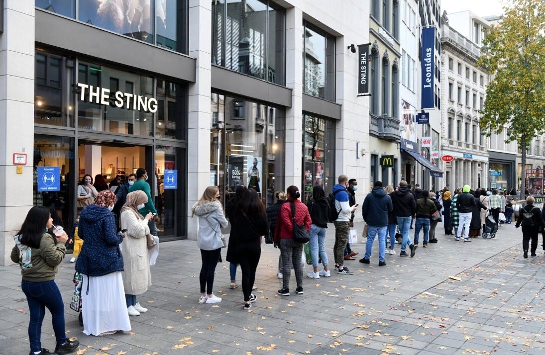 Vanaf wanneer is druk 'te druk' en mag de burgemeester dan zomaar winkels en winkelstraten afsluiten?