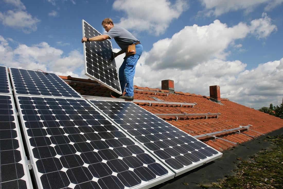 """Systeem terugdraaiende teller vernietigd: """"Eigenaars zonnepanelen voor de zoveelste keer gejost"""""""