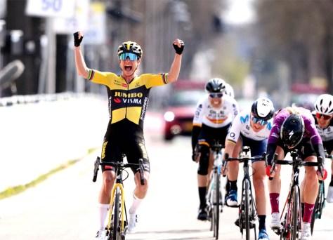 Marianne Vos a mais forte na Amstel Gold Race, pódio totalmente holandês