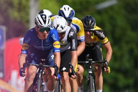 Um flash de classe: Remco Evenepoel lidera por quilômetros e é o primeiro líder no Baloise Belgium Tour, passeio é para Robbe Ghys