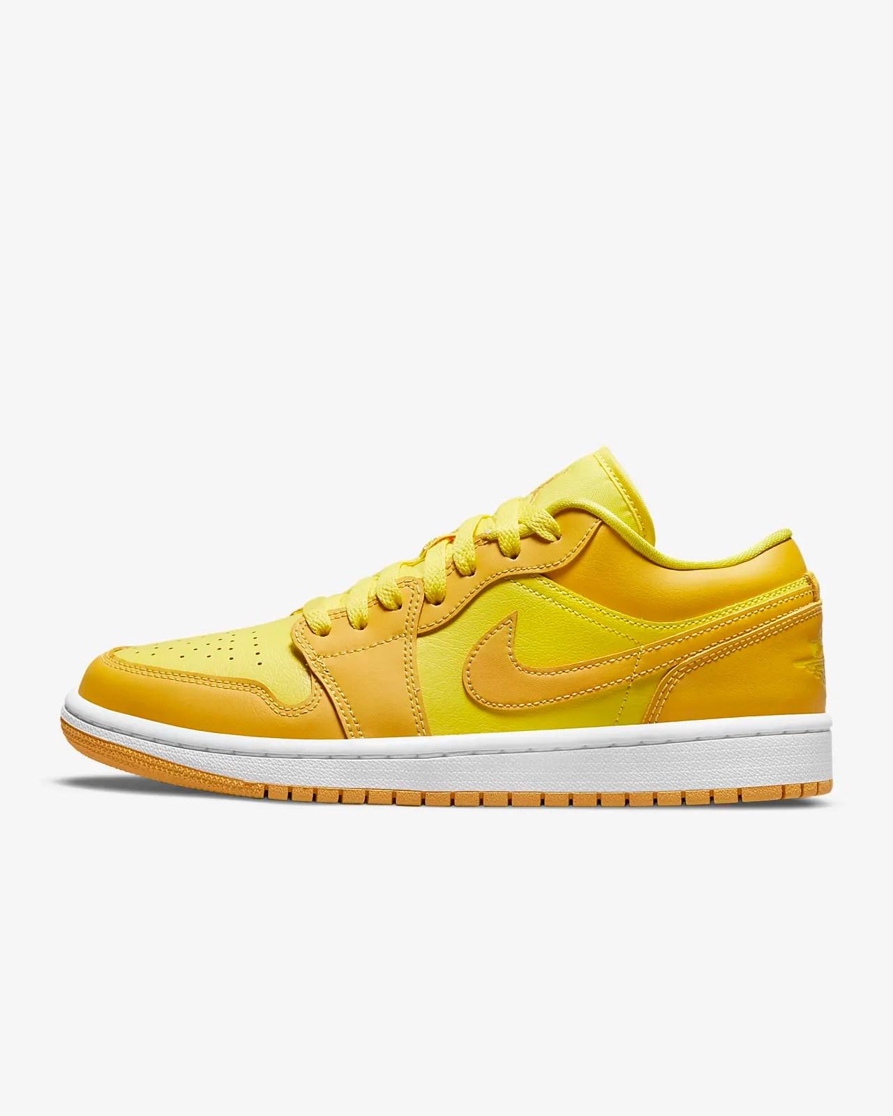 Air Jordan 1 Low Women's Shoe. Nike JP