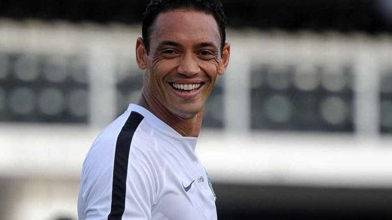 Atlético-MG confirma renovação com Ricardo Oliveira até o fim de 2020