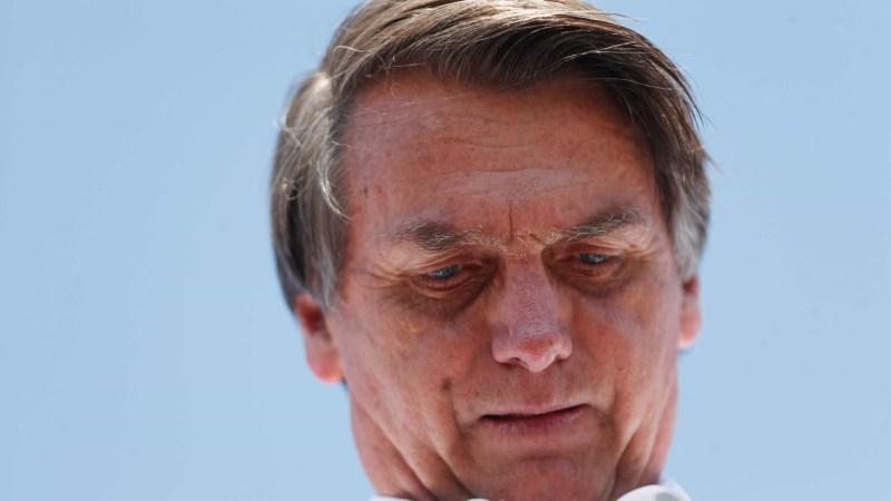 Bolsonaro é esfaqueado durante campanha em Minas Gerais
