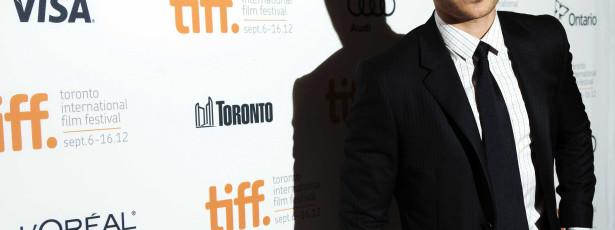 Zac Efron vende casa em Hollywood por dois milhões
