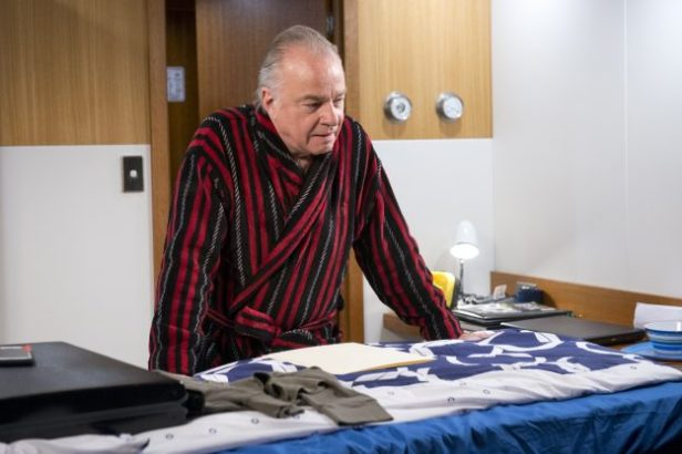 Neighbours spoilers: Hamish Roche set to be exposed in dramatic scenes: Hamish has been planning his escape using Tyler's boat
