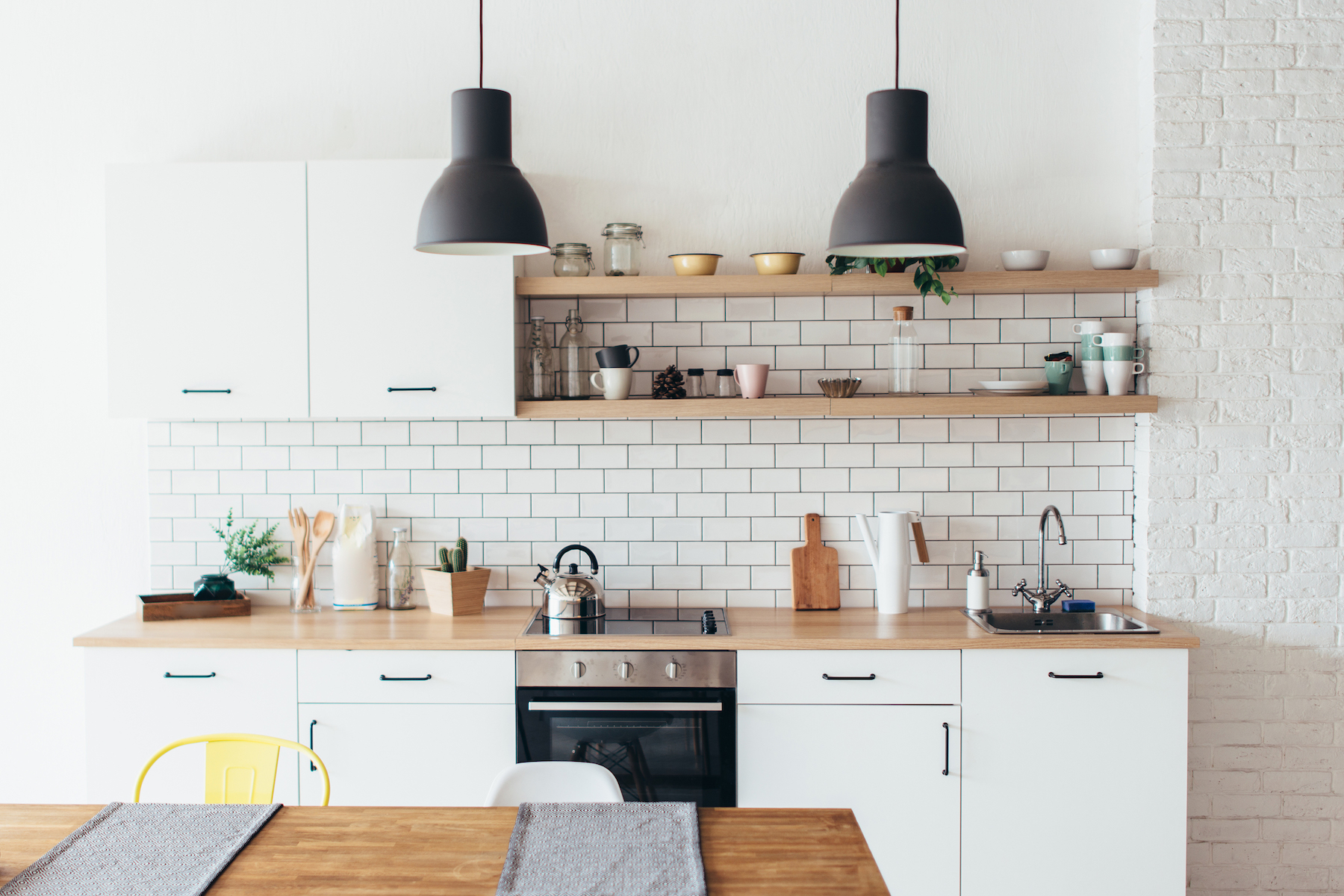https www realsimple com home organizing decorating decorating kitchen kitchen cabinets trend contrast