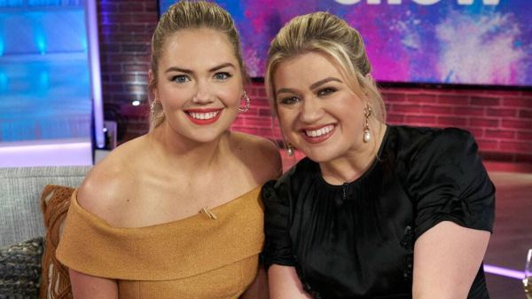 Kate Upton and Kelly Clarkson Bonded Over Breastfeeding and Body Positivity