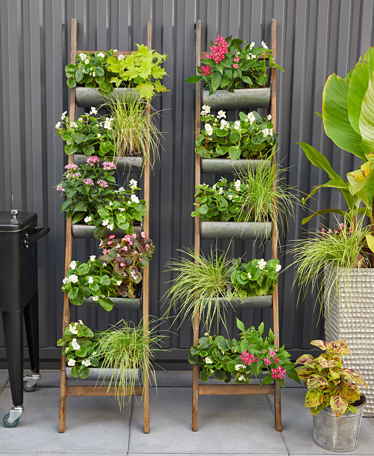 25 creative garden containers midwest