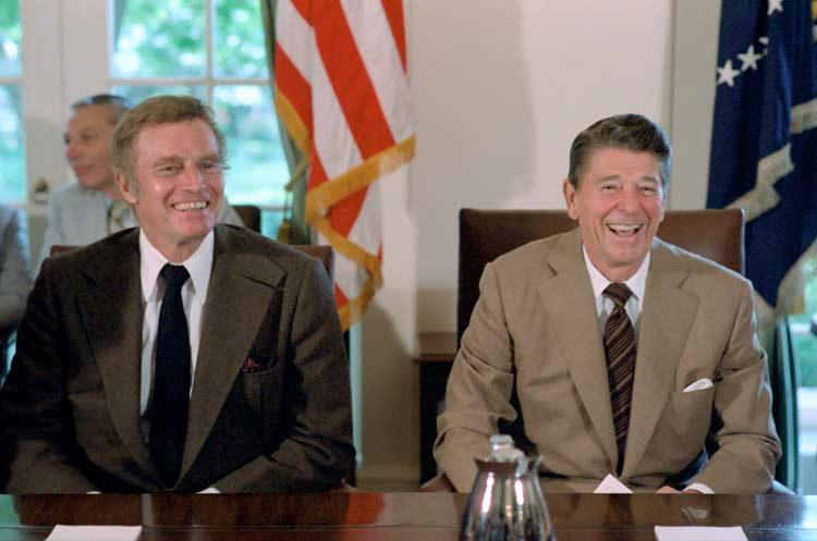 Ronald Reagan és Charlton Heston - később mindkettőjüknél diagnosztizálták az Alzheimer-kórt
