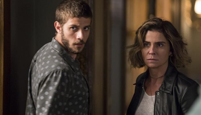 Ícaro (Chay Suede) e Luzia (Giovanna Antonelli) em Segundo Sol (Foto: Artur Meninea/Globo)