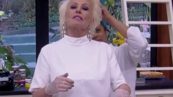 Ana Maria Braga sendo atacada por abelhas ao vivo no Mais Você