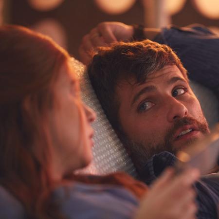 """Marina Ruy Barbosa e Bruno Gagliasso são um casal em """"Todas as Canções de Amor"""" Imagem: Divulgação... - Veja mais em https://entretenimento.uol.com.br/noticias/redacao/2018/11/08/sem-dubles-marina-ruy-barbosa-e-bruno-gagliasso-fazem-cena-de-sexo-em-filme-sem-tabu.htm?fbclid=IwAR2EXamLZGqGcPHGrj6LHoC8tZvrw_MemtGt44JgnEhnehvIbnqXgYpXhbc&cmpid=copiaecola"""