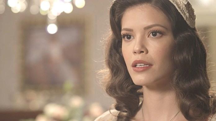 Julia Castelo em cena de Espelho da Vida (Foto: Reprodução)