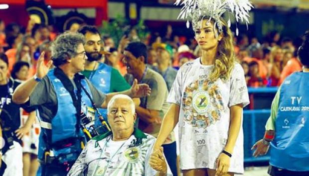 Antonio Fagundes e Grazi Massafera em gravação de Bom Sucesso, próxima novela das sete da Globo (Foto: Divulgação)