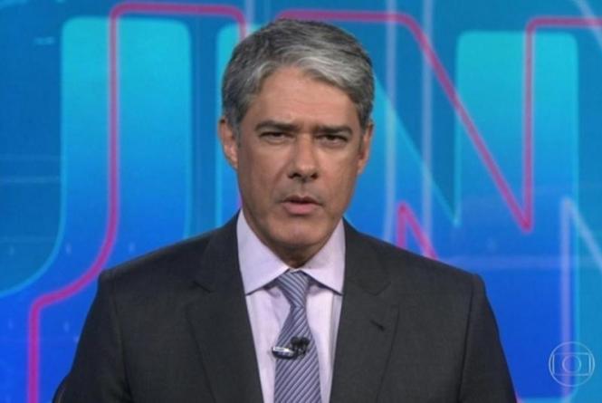 O jornalista William Bonner comanda o Jornal Nacional na Globo (Foto: Reprodução)