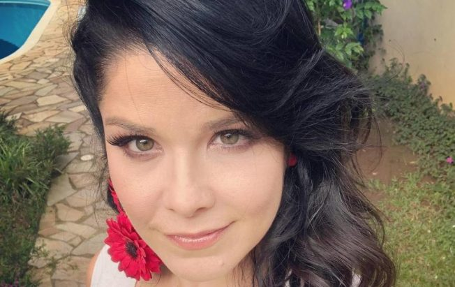 Samara Felippo apareeu nua em foto ao lado de Carolinie Figueiredo (Reprodução/Instagram)