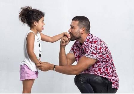 Ex-genro de Silvio Santos volta a conviver com filha, paga pensão e ensaia volta com Silvia Foto: reprodução/instagram Edu Pedroso
