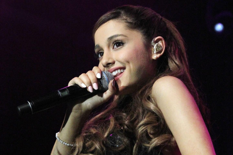 A cantora Ariana Grande bate marca histórica com seu novo single (Foto: Reprodução)