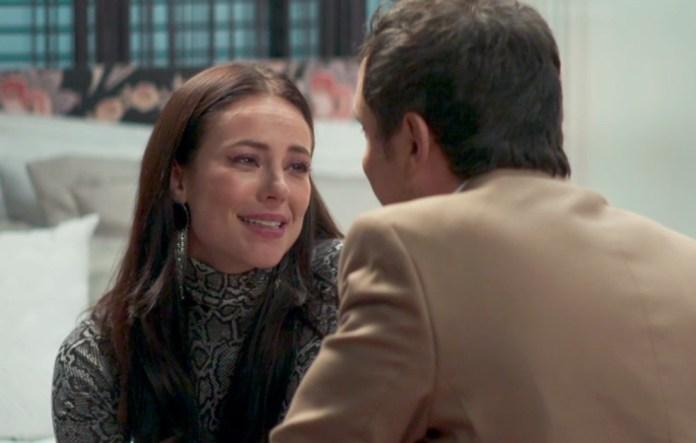 Vivi e Chiclete em cena da novela das 21h, A Dona do Pedaço (Foto: Reprodução)