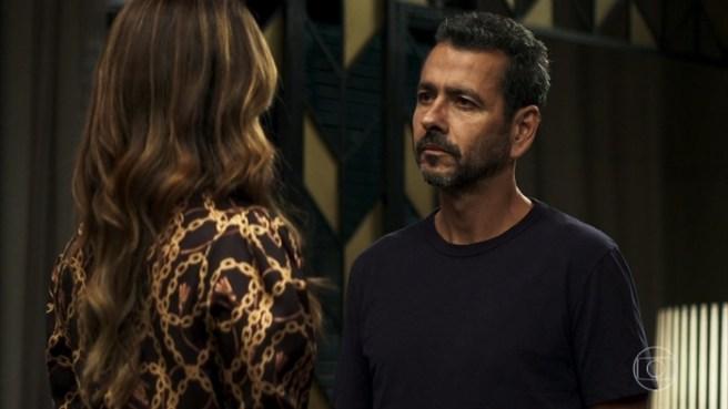 Amadeu (Marcos Palmeira) e Maria da Paz (Juliana Paes) em A Dona do Pedaço (Foto: Reprodução/Globo)