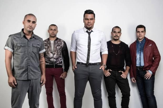 Bruno Cardoso com os outros integrantes do grupo Sorriso Maroto (Foto: Reprodução)
