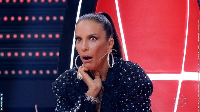 Ivete Sangalo usou o botão de bloqueio contra a cantora Iza no The Voice Brasil. (Foto: Reprodução)