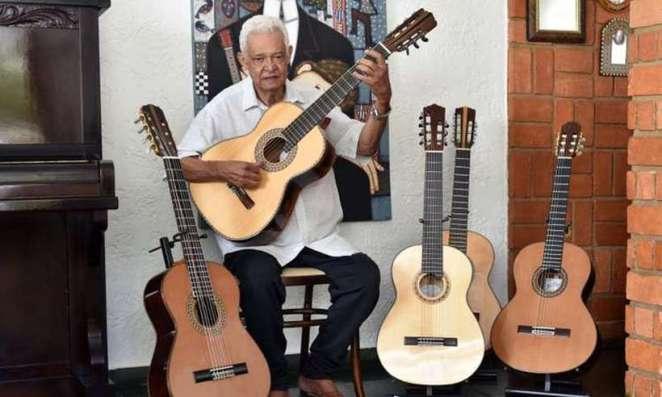 Músico Carlinhos 7 Cordas morreu aos 75 anos de idade, após sofrer uma parada cardíaca (Foto; Antonio Cunha/CB/D.A Press)