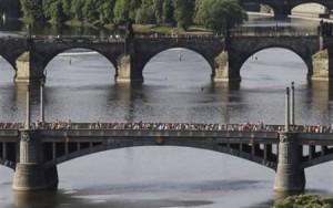 pencurian jembatan