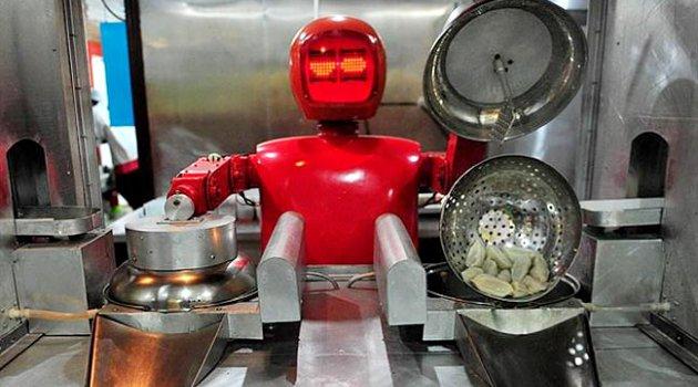 Pelayan robot di Restoran