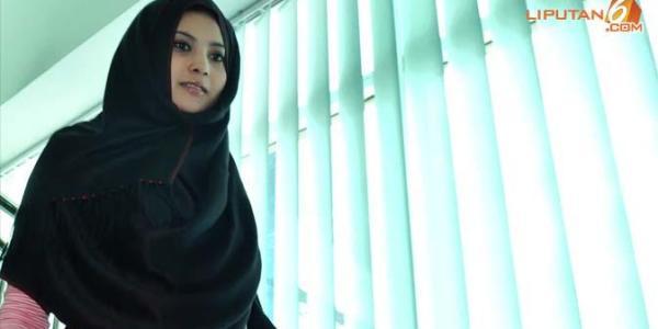 Inilah 5 Artis Yang Lepas Jilbab Demi Tampil Seksi