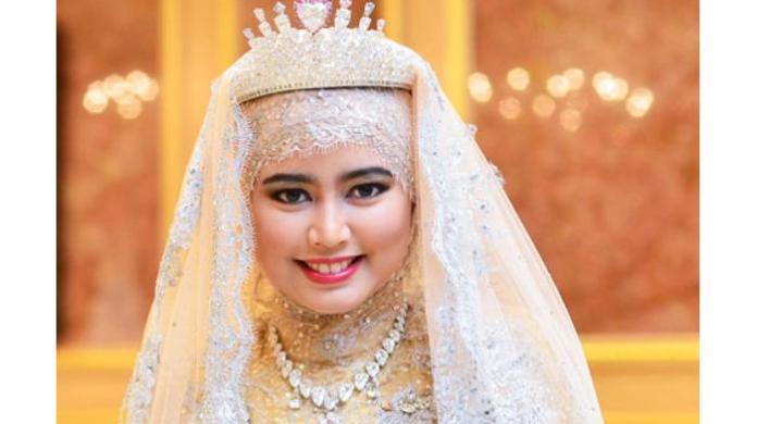 Putri Hajah Hafizah Sururul Bolkiah 9 Wanita Muslim Terkaya di Dunia