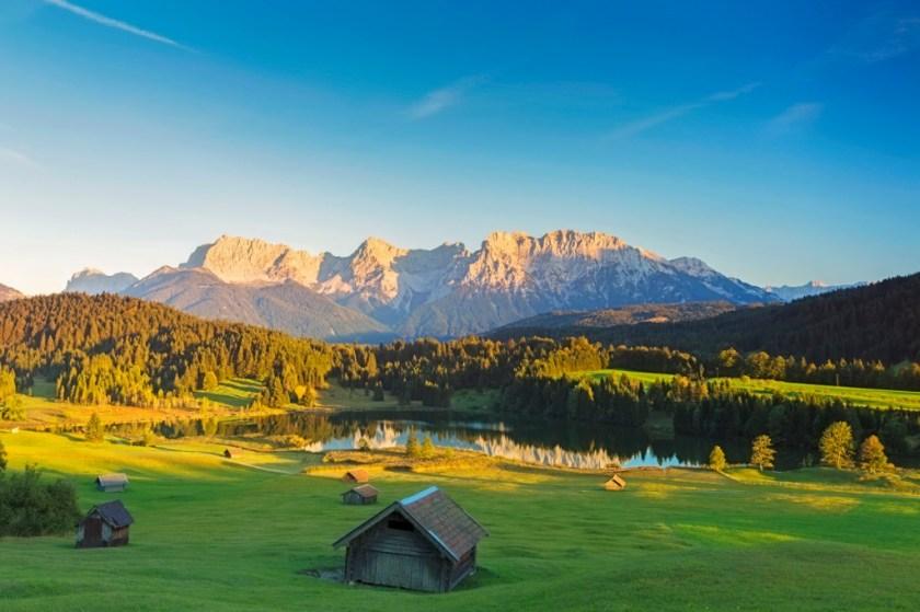 geroldsee bij zonsondergang garmisch patenkirchen alpen foto id664931928 afbeelding