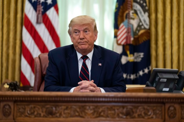 President Donald Trump speaks at the Oval Office of the White House in Washington, Friday, September 4, 2020, during a signing ceremony with Serbian President Alexander Vusic and Kosovar Prime Minister Avadhullah Hoti.  |  AP Photo / Ivan Vukie