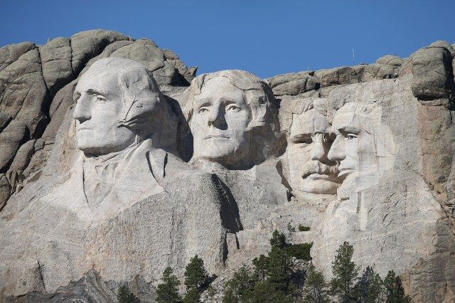 Trump plans military flyover at Mount Rushmore on July 3