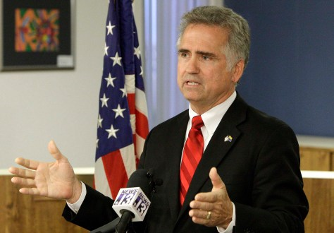 Huppenthal speaks at a press conference