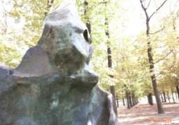 A public sculpture in the Jardin des Tuileries, Paris. Photo Olivier Zahm