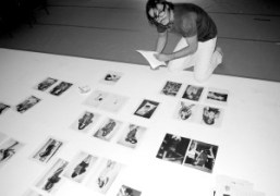 Mario Sorrenti choosing his pictures for the next issue of Purple Fashion…