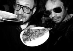 Terry Richardson and Olivier Zahm devouring pizza, New York. Photo Olivier Zahm