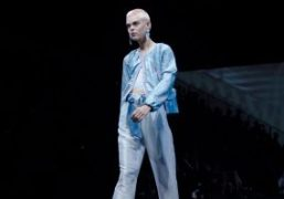 Giorgio Armani S/S 2019 show, Milan