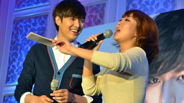 'THAT'S SO FUNNY.' Lee Min Ho giggles at Oh Sang Mi aka Sam Oh in one of the events hosted by Bench. Image from architect Miguel Pastor's Facebook page