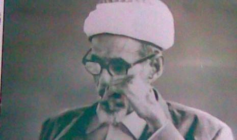 https://i2.wp.com/static.republika.co.id/uploads/images/detailnews/habib-sayid-idrus-bin-salim-al-jufri-atau-guru-tua-_140407210239-435.jpg