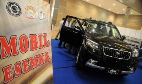 Mobil Esemka tak Perlu Uji Emisi