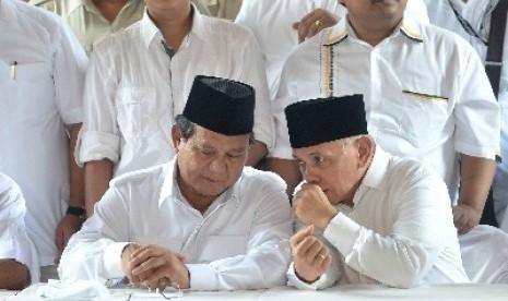 Prabowo Subianto bersama Hatta Rajasa