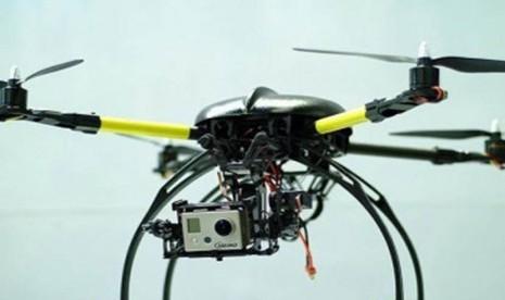 Robot terbang atau Quadcopter (ilustrasi).