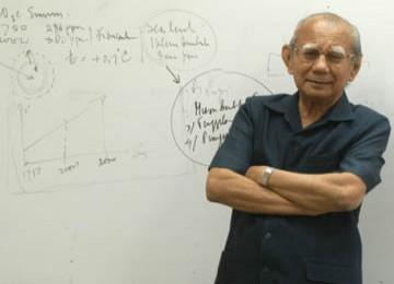 Emil Salim: Ramadhan, Waktu Istirahat dari Duniawi