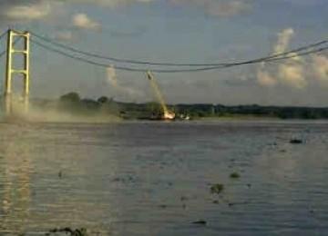 Gubernur Kaltim Tinjau Lokasi Jembatan Runtuh