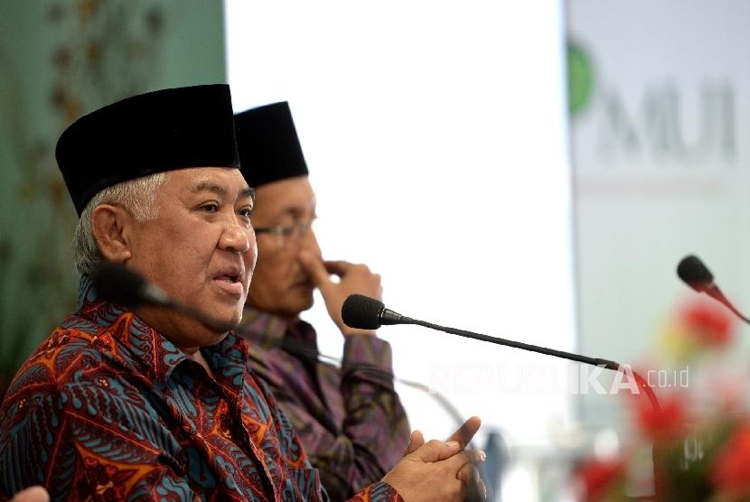 (dari kiri) Ketua DP MUI Din Syamsuddin, dan Imam Besar Masjid Istiqlal Nasarudin Umar menghadiri Rapat Pleno ke-7 Dewan Pertimbangan MUI di Jakarta, Rabu (20/4). (Republika/ Wihdan)
