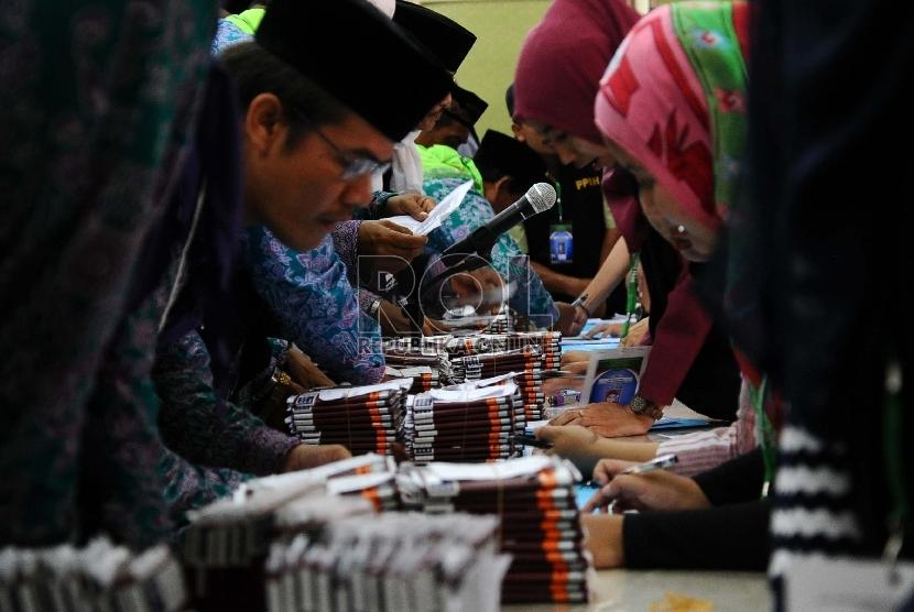 Petugas Penyelenggara Ibadah Haji (PPIH)