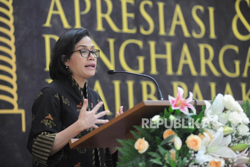 Menteri Keuangan Sri Mulyani memberikan sambutan dalam acara  Apresiasi  dan Penghargaan Wajib Pajak Kanwil  DJP  pajak besar  tahun 2018  di lingkungan Kanwil DJP Wajib Pajak Besar, Jakarta, Selasa (13/3).
