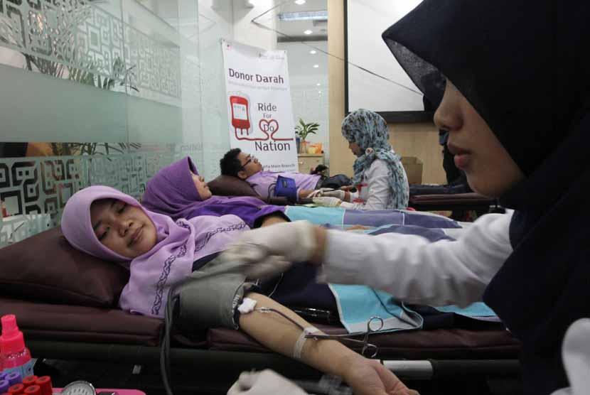 Donor darah (ilustrasi)